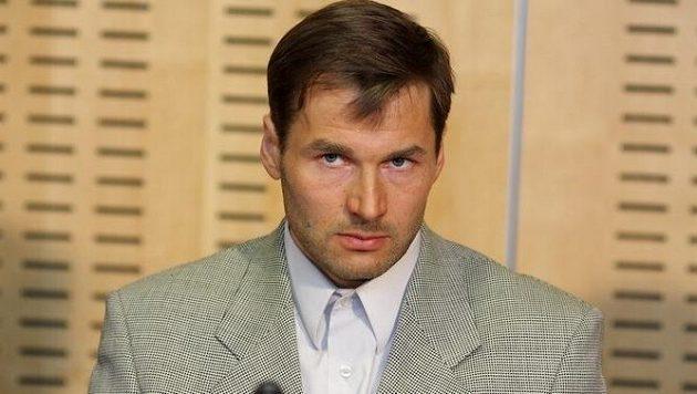 Bývalý estonský běžec na lyžích Andrus Veerpalu dostal za doping dvouletý zákaz činnosti.