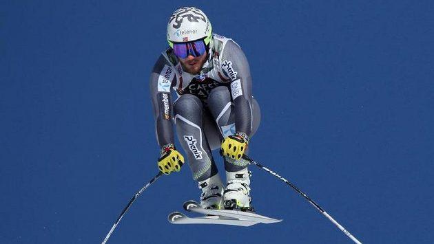 Norský lyžař Kjetil Jansrud v Kitzbühelu.