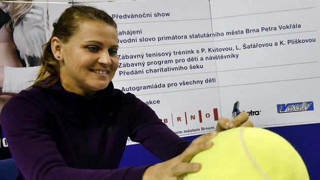 Tenistka Lucie Šafářová při charitativní akci v Brně.