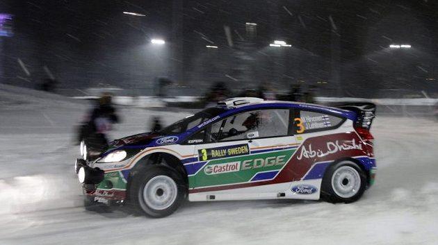 Finský pilot Mikko Hirvonen během Švédské rallye