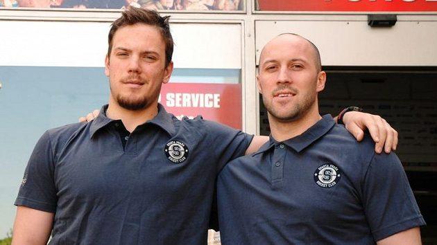 Bratři Rachůnkové po přestupu do hokejové Sparty, vlevo Tomáš, vpravo Ivan