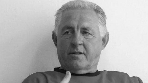 Bývalý slovenský fotbalový brankář a později trenér Justín Javorek zemřel.