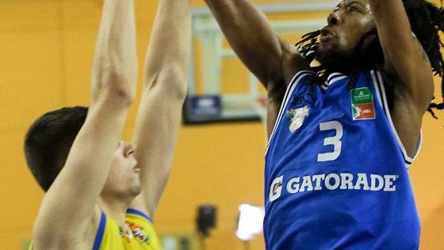 Opavští basketbalisté kvůli koronaviru nenastoupí v úterý k ligové dohrávce v Kolíně (archivní foto)