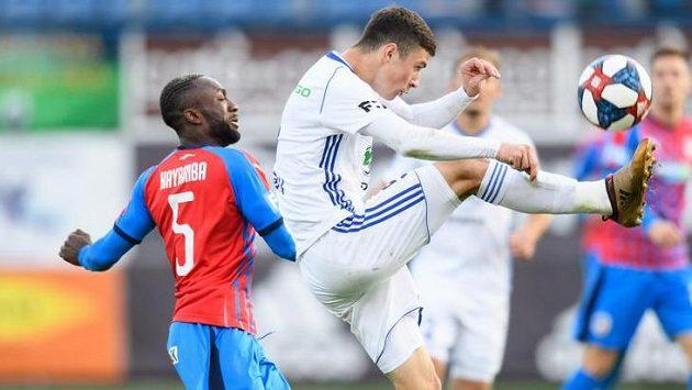 Rus Alexej Tatajev ještě v dresu Mladé Boleslavi při utkání s Plzní.