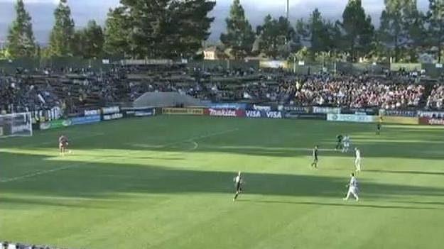Bednářův West Bromwich dostal v přípravném utkání s týmem San Jose Earthquakes gól od brankáře.