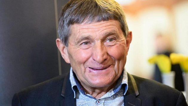 Josef Váňa během losování letošní Velké pardubické v Praze.