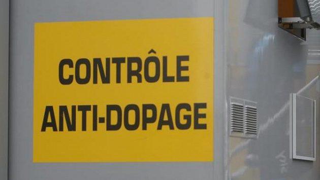 Brit Chris Froome na dopingové kontrole v roce 2013. Ilustrační snímek.