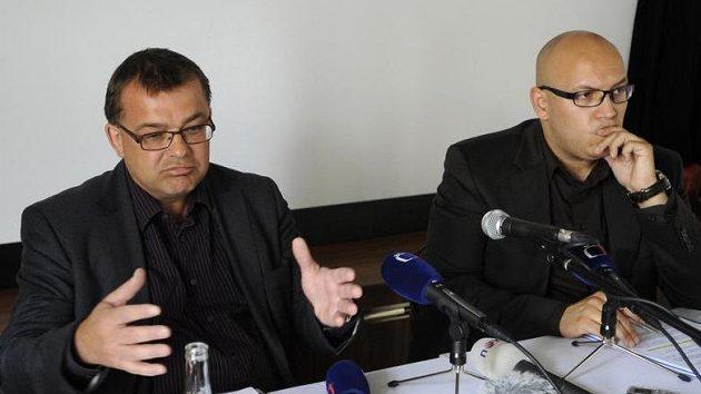 Předseda představenstva Vyšehrad 2000 a.s. Martin Pánek (vlevo) a jednatel společnosti RZA Solutions Czech s.r.o. Vojtěch Hlaváček.