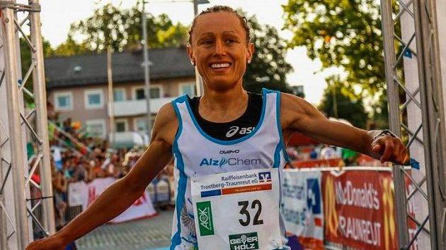 Julia Viellehnerová měla nakročeno na špičku profesionálního triatlonu.
