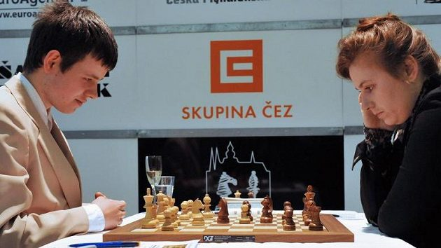 Český šachista David Navara s nejlepší šachistkou světa Judit Polgárovou z Maďarska