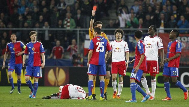 Marek Suchý odvetu osmifinále Evropské ligy se Salcburkem nedohrál.