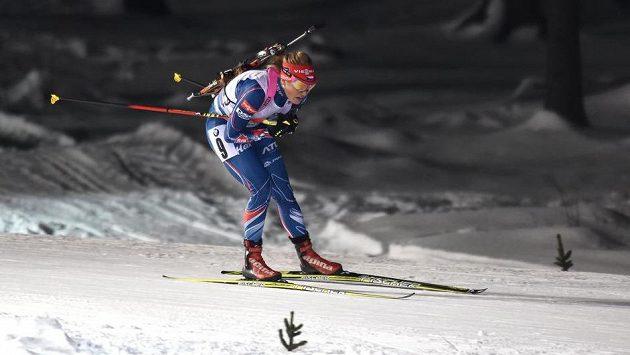 Gabriela Soukalová během závodu smíšených štafet při SP v Novém Městě na Moravě.