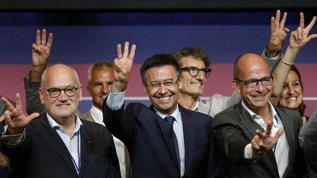 Josep Maria Bartomeu (uprostřed), prezident barcelonského klubu.