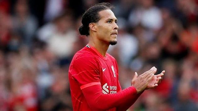 Virgil van Dijk prodloužil s předstihem smlouvu s Liverpoolem do roku 2025