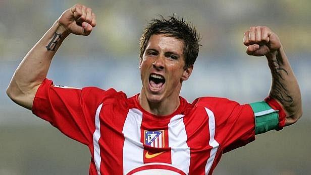 Fernando Torres byl nejmladším kapitánem Atlétika, teď se s madridským klubem dohodl na prodloužení smlouvy