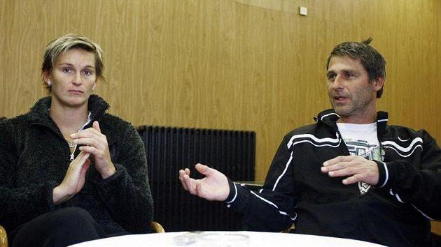 Oštěpařka Barbora Špotáková se svým trenérem Janem Železným.