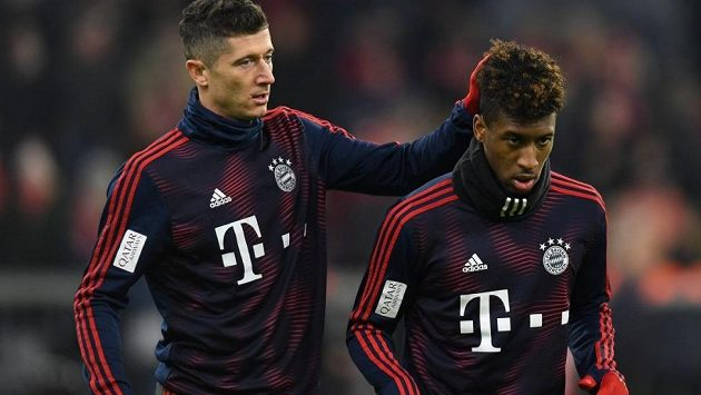 Hvězdy Bayernu Robert Lewandowski (vlevo) a Kingsley Coman si na tréninku údajně vyřizovali spory ručně.