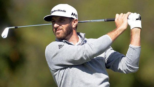 Američan Dustin Johnson, nová světová golfová jednička.