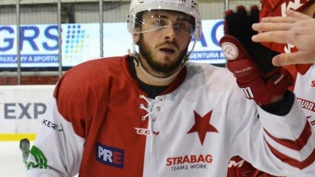 Hokejový obránce Jindřich Barák se rozhodl pomoct nemocné Lindě.
