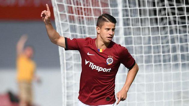 Sparťanský fotbalista Adam Hložek otevřel skóre utkání ve skupině o titul v rámci nadstavby Fortuna ligy proti Jablonci.