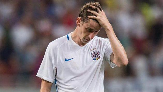 Zklamaný Ondřej Zahustel po odvetném utkání 3. předkola Ligy mistrů proti Steaue Bukurešť.