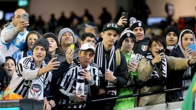 Fanoušci Juventusu o fotbal přijdou, jejich borci jdou do karantény...