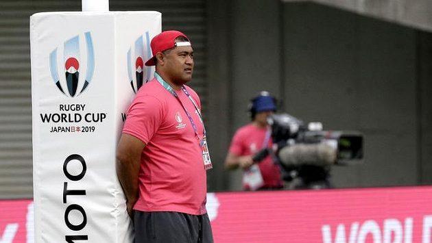 Bývalý hvězdný australský ragbista a současný trenér národního týmu Tongy Toutai Kefu.