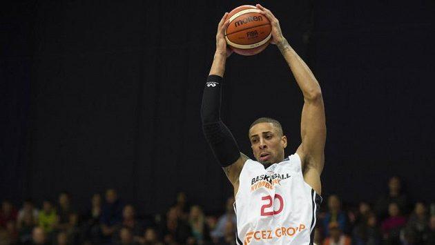 Basketbalista Nymburku Diamon Simpson - ilustrační foto.