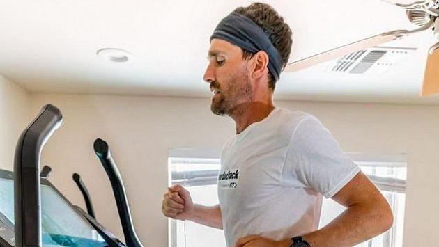 Americký ultramaratonec Zach Bitter
