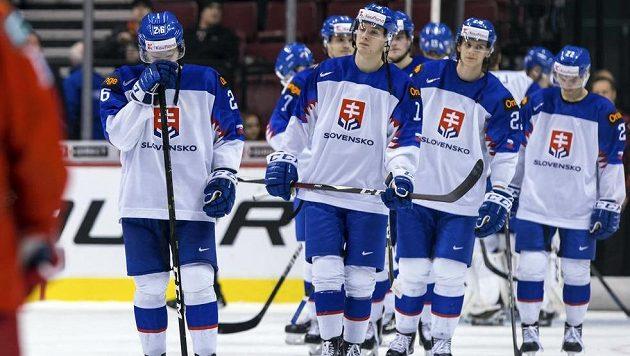 Slovenský tým po čtvrtfinálové prohře 3:8 s Ruskem.