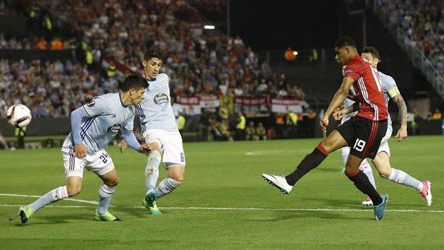 Marcus Rashford vstřelil jediný gól Manchesteru United v prvním semifinále Evropské ligy proti Vigu.
