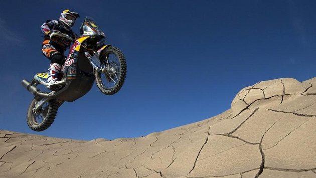 Rallye Dakar je jen pro skutečně silné nátury. Na ilustračním snímku je portugalský motocyklista Ruben Faría na stroji KTM.