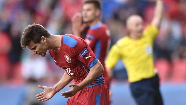 Michal Trávník po neuznaném gólu během utkání reprezentace do 21 let s Dánskem.