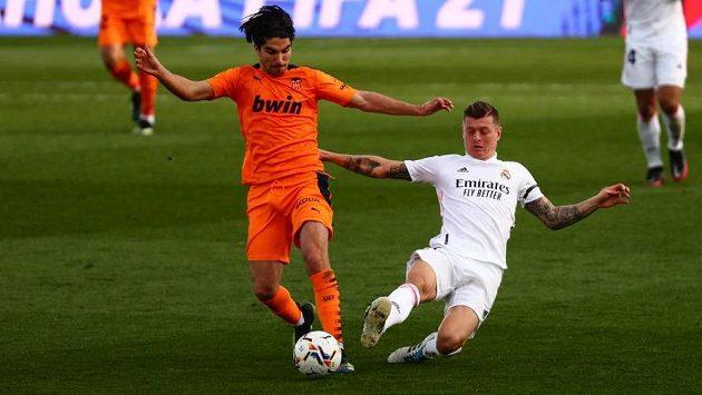 Gólem a asistencí se na třetím vítězství Realu v řadě podílel Toni Kroos.