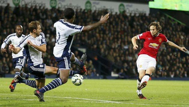 Takhle Daley Blind z Manchesteru United srovnal skóre ligového zápasu na hřišti WBA na konečných 2:2.