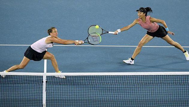 Tenistku Barbora Strýcová s tchajwanskou partnerkou Sie Šu-wej