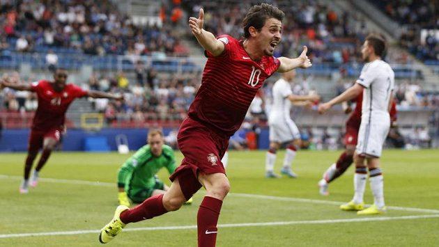 Portugalec Bernardo Silva slaví úvodní gól semifinálového souboje s Německem.