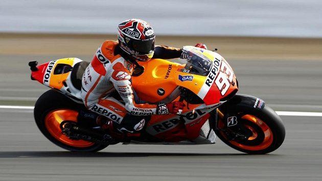 Španělský závodník Marc Marquez na své hondě.