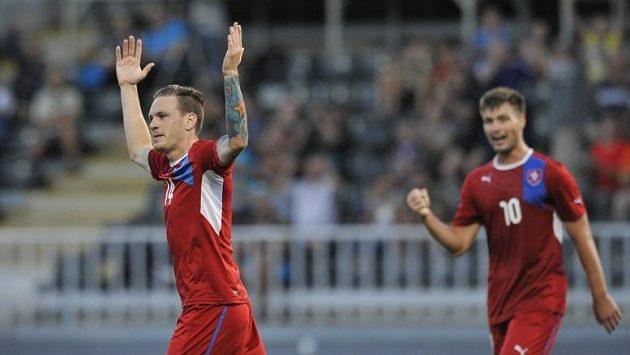 Ondřej Vaněk se raduje z gólu do sítě Walesu.