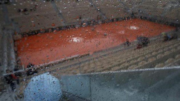 Středeční program na French Open byl kvůli dešti zrušen