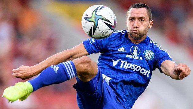 Jan Sedlák ze Sigmy Olomouc během utkání 1. kola Fortuna ligy.