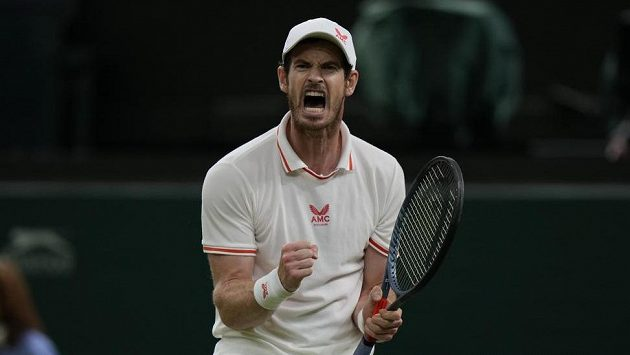 Brit Andy Murray ve druhém kole Wimbledonu porazil německého kvalifikanta Oscara Otteho.