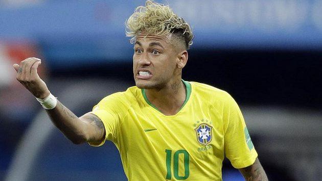 V úvodním utkání proti Švýcarsku nenadchl výkonem a teď se ještě brazilské hvězdě Neymarovi posmívají kvůli extravagantnímu účesu.
