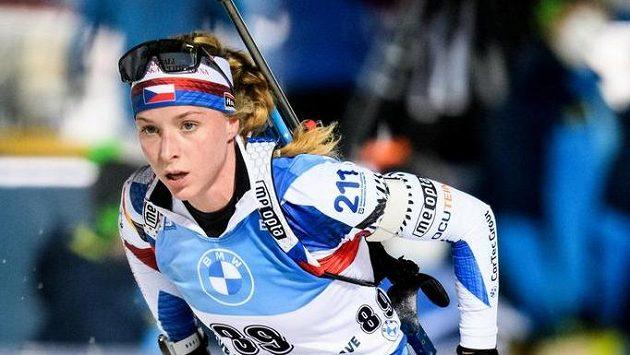 Markéta Davidová na trati sprintu v Novém Městě na Moravě.