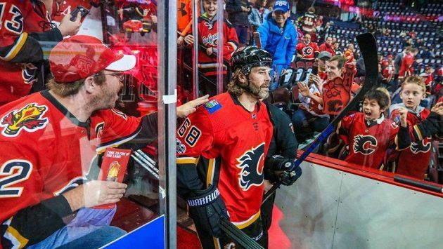 Jaromír Jágr v centru zájmu fanoušků Calgary.