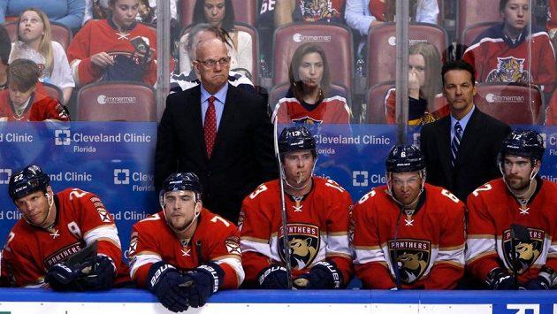 Tom Rowe končí u hokejistů Floridy jako trenér i generální manažer.