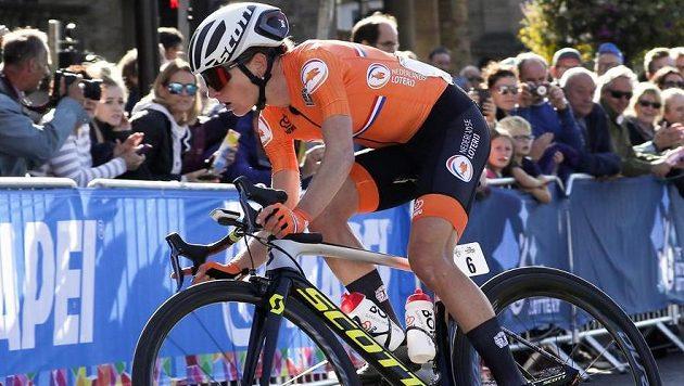 Annemiek van Vleutenová si jede v Harrogate pro titul mistryně světa v silničním závodu.