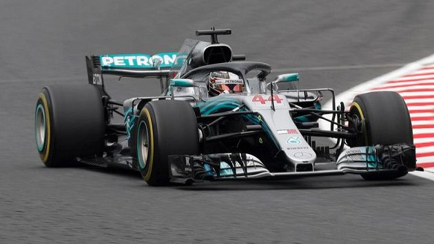 Lewis Hamilton během tréninku v Japonsku.
