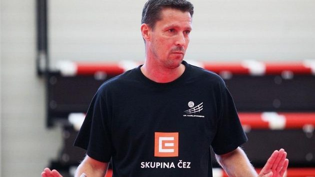 Volejbalový trenér Jiří Novák na archivním snímku