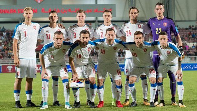 Český tým před zápasem s Katarem.